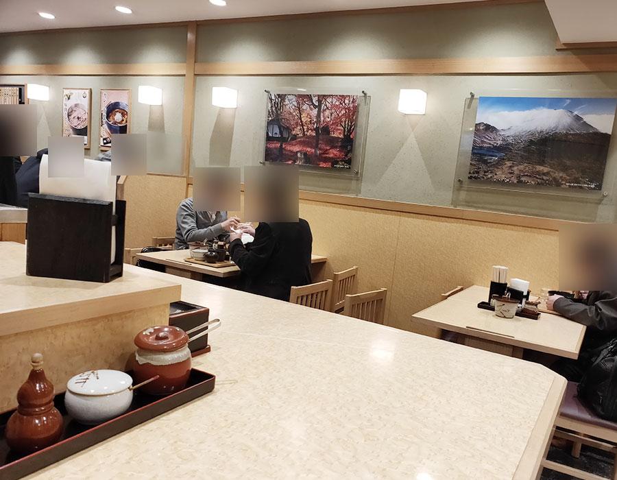 「小諸そば 九段下駅前店」で「大盛り 冷し月夜ばかしそば(500円)」でモーニング[九段下]