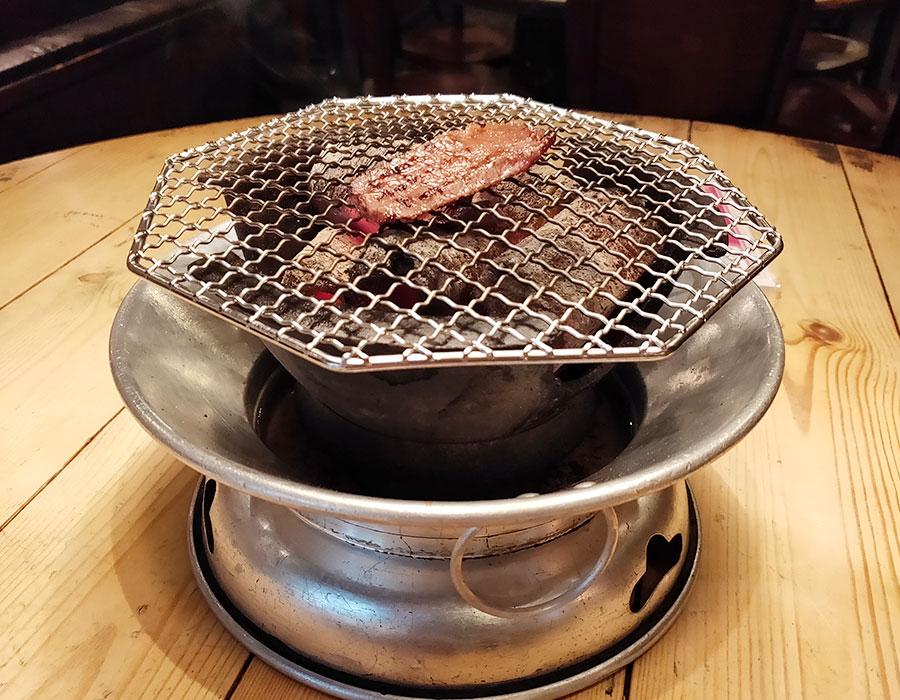 「きらく亭」で「カルビ定食(920円)」のランチ[四ツ谷]