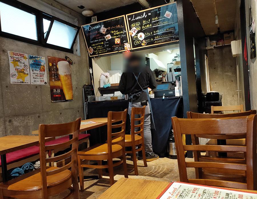 「牡蠣市場 九段下エリゼ」で「牡蠣フライランチ(900円)」[九段下]