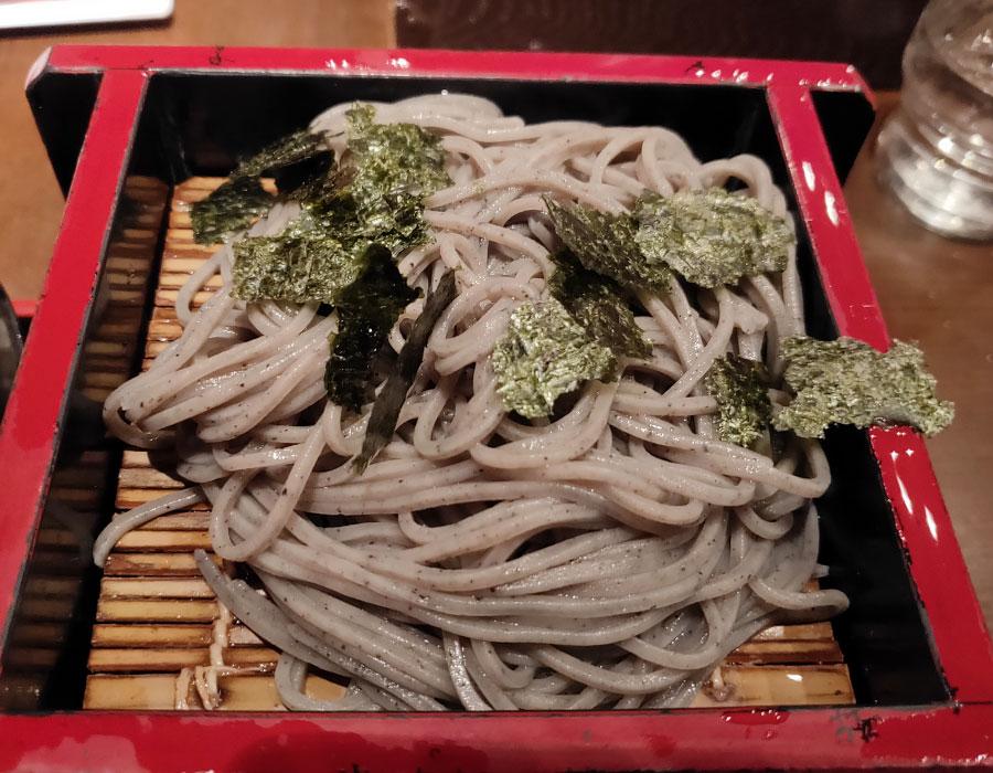 「北前そば 高田屋 麹町店」で「天丼とごまそばのセット(1,089円)」のランチ