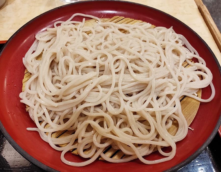 「小諸そば 市ヶ谷店」で「満腹天丼セット(650円)」