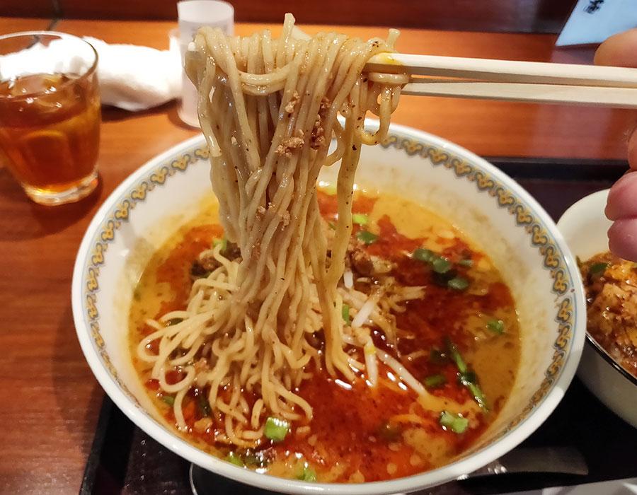 「三希房(サンキボウ)」で「花椒と辣油の効いた担担麺セット(1,050円)」でランチ[九段下]
