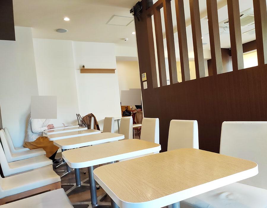 「青海珈琲 焙煎豆直売所 九段下店」で「スペシャリティアイスコーヒー(200円)」