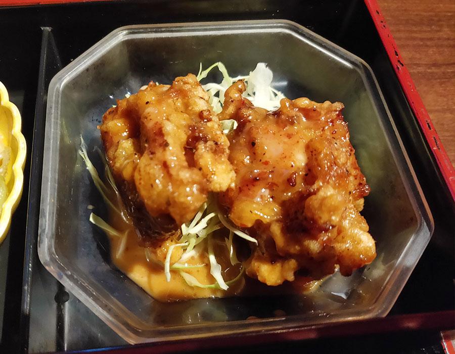 「炭火ダイニング みひろ」で「日替り三菜膳(850円)」のランチ