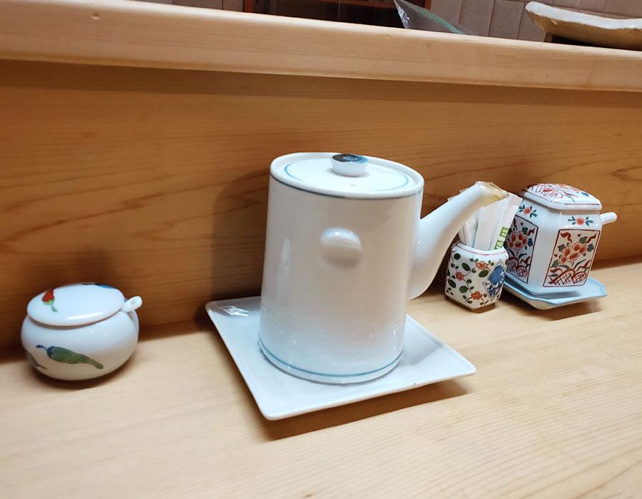 「もも瀬」で「穴子ばら揚丼(1,600円)」のランチ