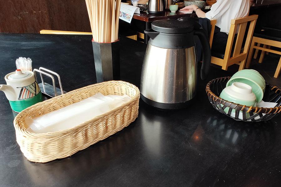 「和ごころ」で「とんてき丼(900円)」のランチ[四ツ谷]