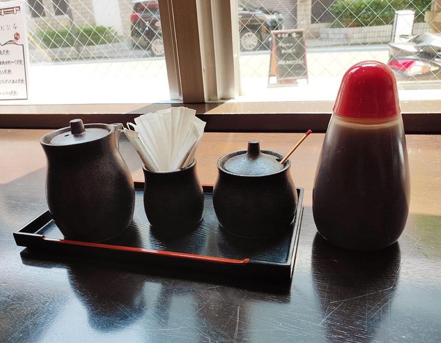 「本日のお刺身と鳥唐揚甘酢かけ定食(850円)」