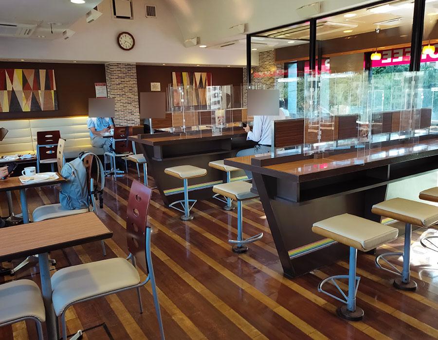 「ベックスコーヒーショップ 四ッ谷店」で「スクランブルプレート(390円)」のモーニング