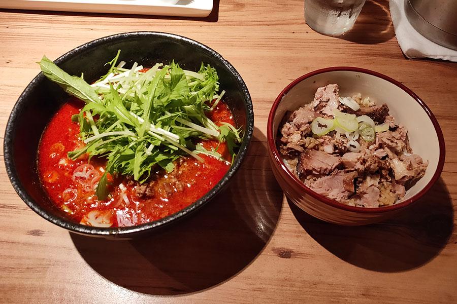 「ジョニーヌードル」で「大陸坦坦麺54号(950円)」のランチ[半蔵門]