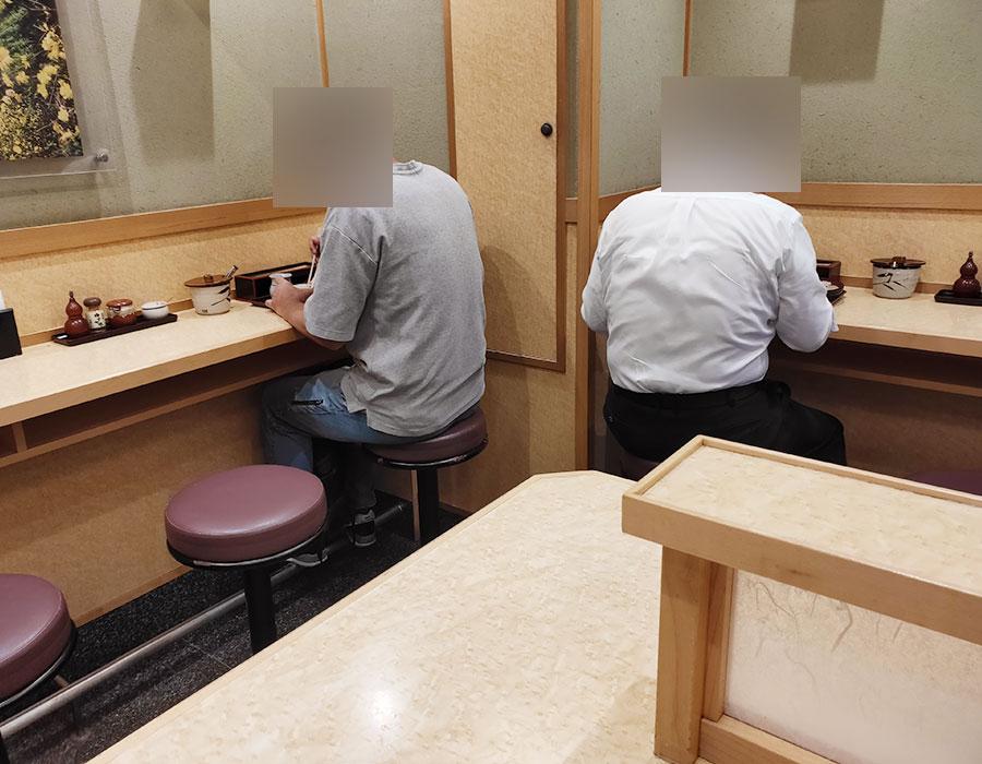 「小諸そば 四谷駅前店」で「たぬきそば(350円)」のモーニング[四ツ谷]