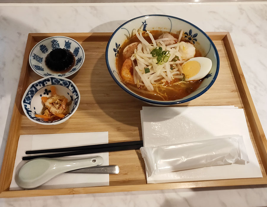 マレーシア料理「MASAK MASAK(マサ マサ)」で「エビ麺[プロウンミー](1,210円)」のランチ
