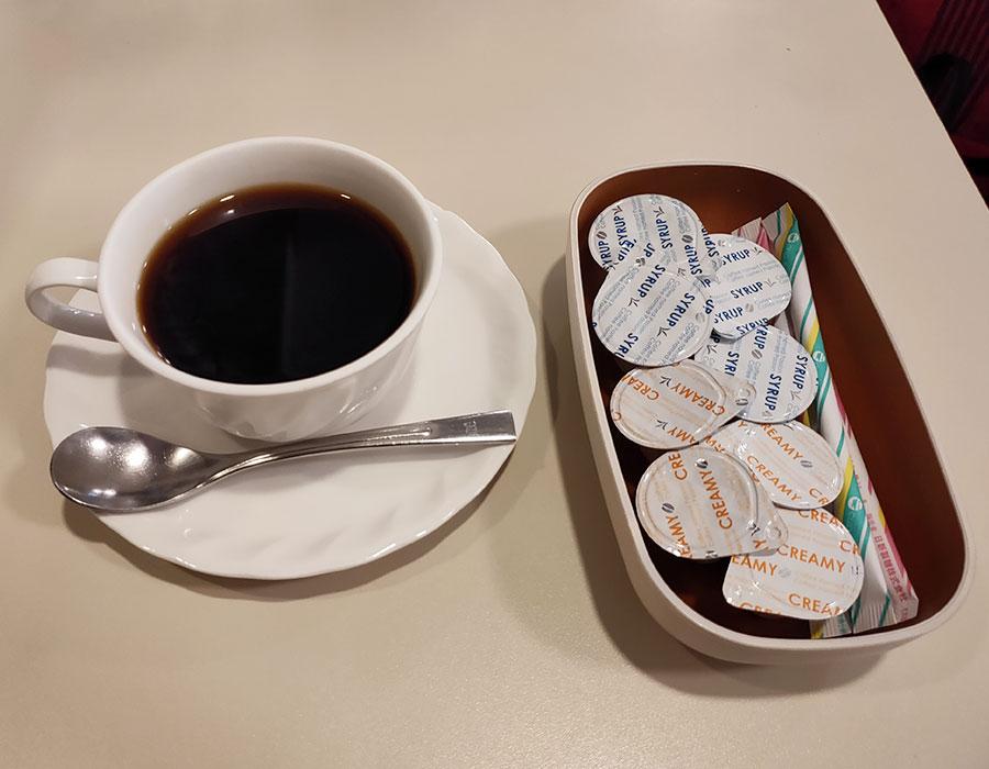 「喫茶室ルノアール 市ヶ谷駅前店」で「ハムチーズフォカッチャサンド(130円)」のモーニング