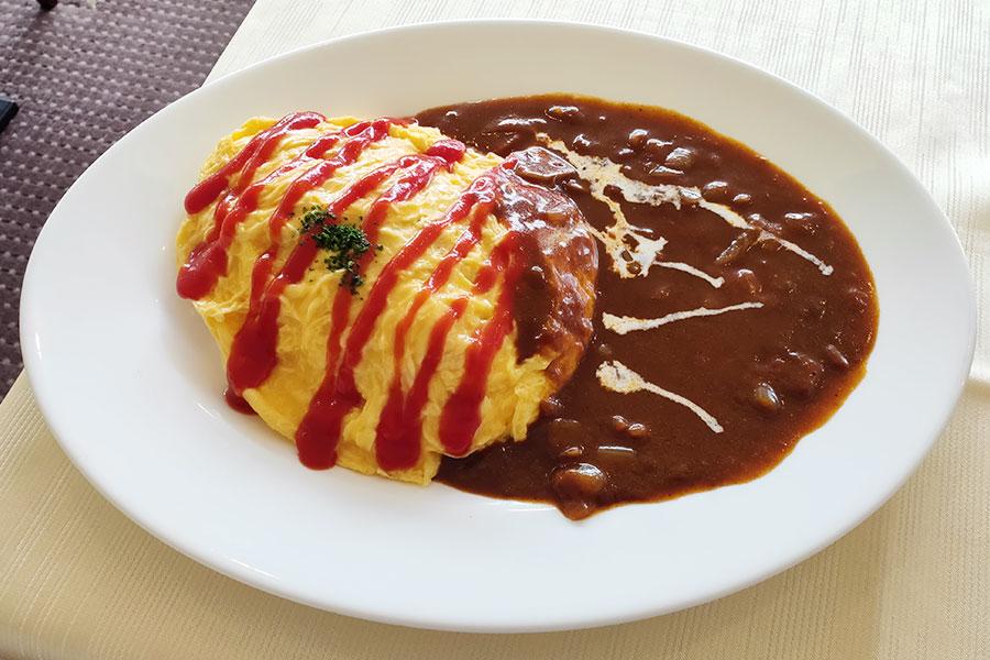 「レストラン フォッセ」で「オムライス(1,045円)」のランチ