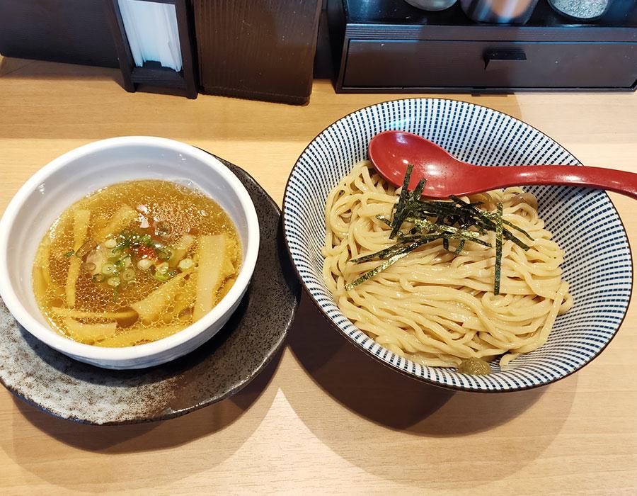 「塩つけ麺 灯花」で「塩つけ麺(840円)」[四谷三丁目]
