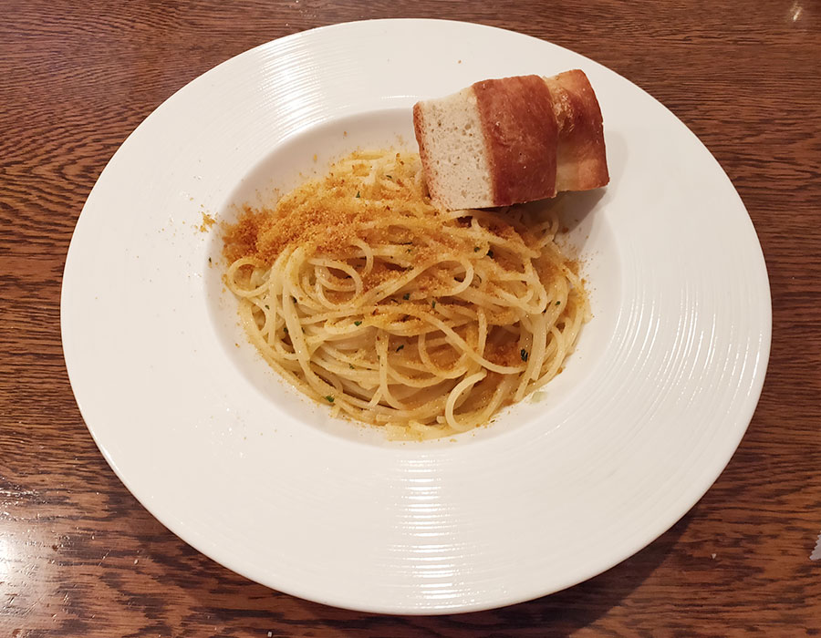「DiVino(ディヴィーノ)」で「ボッタルガとセロリのオーリオ スパゲッティ(1,300円)」のランチ[麴町]