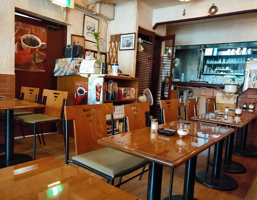 「喫茶ひまわり」で「ナポリタン(800円)」のランチ
