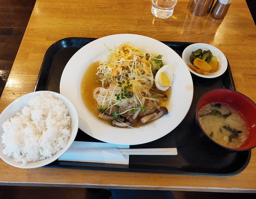 海事センタービル「カフェ ファロ」で「和風ハンバーグ(920円)」のランチ[麴町]