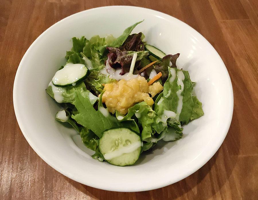 「Brew Lounge 市ケ谷」で「海峡サーモン丼(1,100円)」のランチ